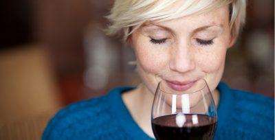 Mettetevi comodi e godetevi un bicchiere di vino!