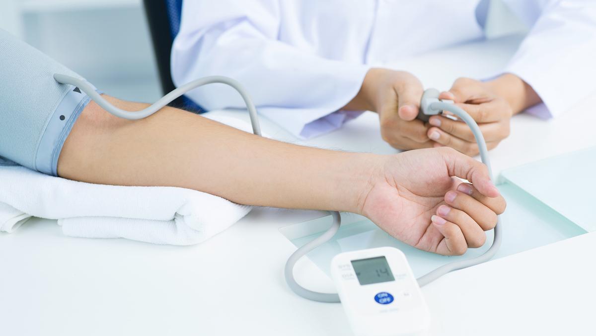 Come ridurre la pressione alta e l'ipertensione